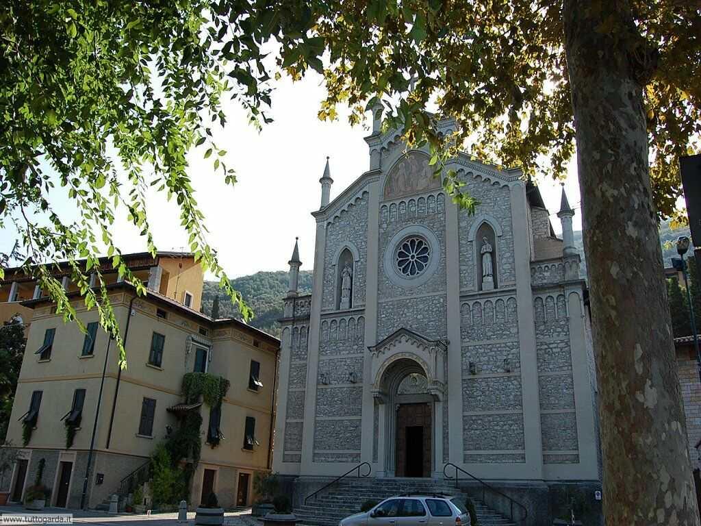 Castelletto di Brenzone Chiesa parrocchiale