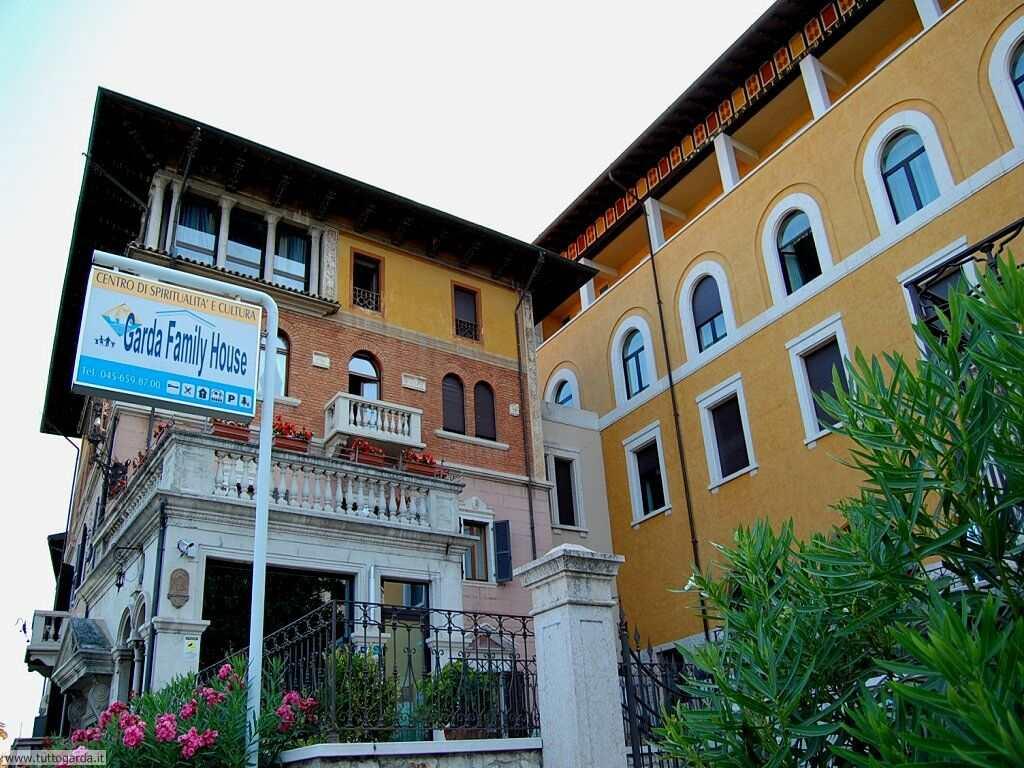 Castelletto di Brenzone Garda Family House