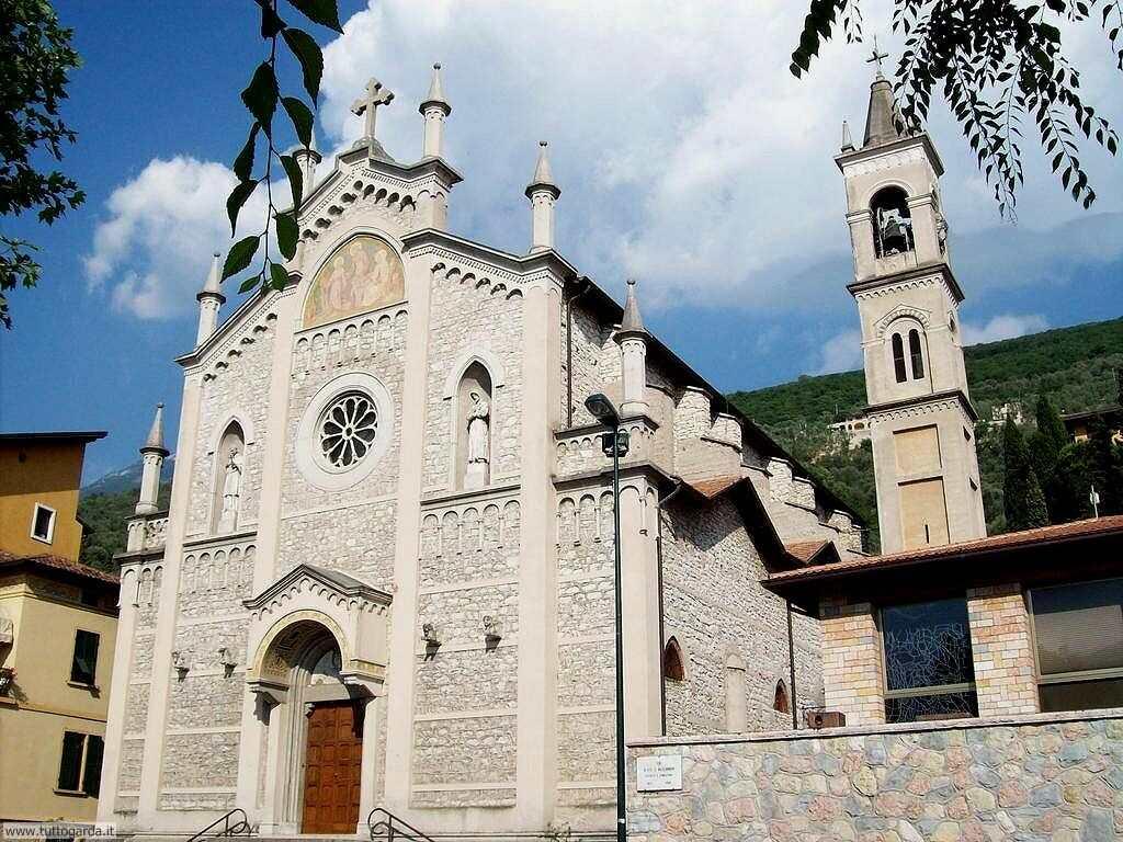 Castelletto di Brenzone Chiesa