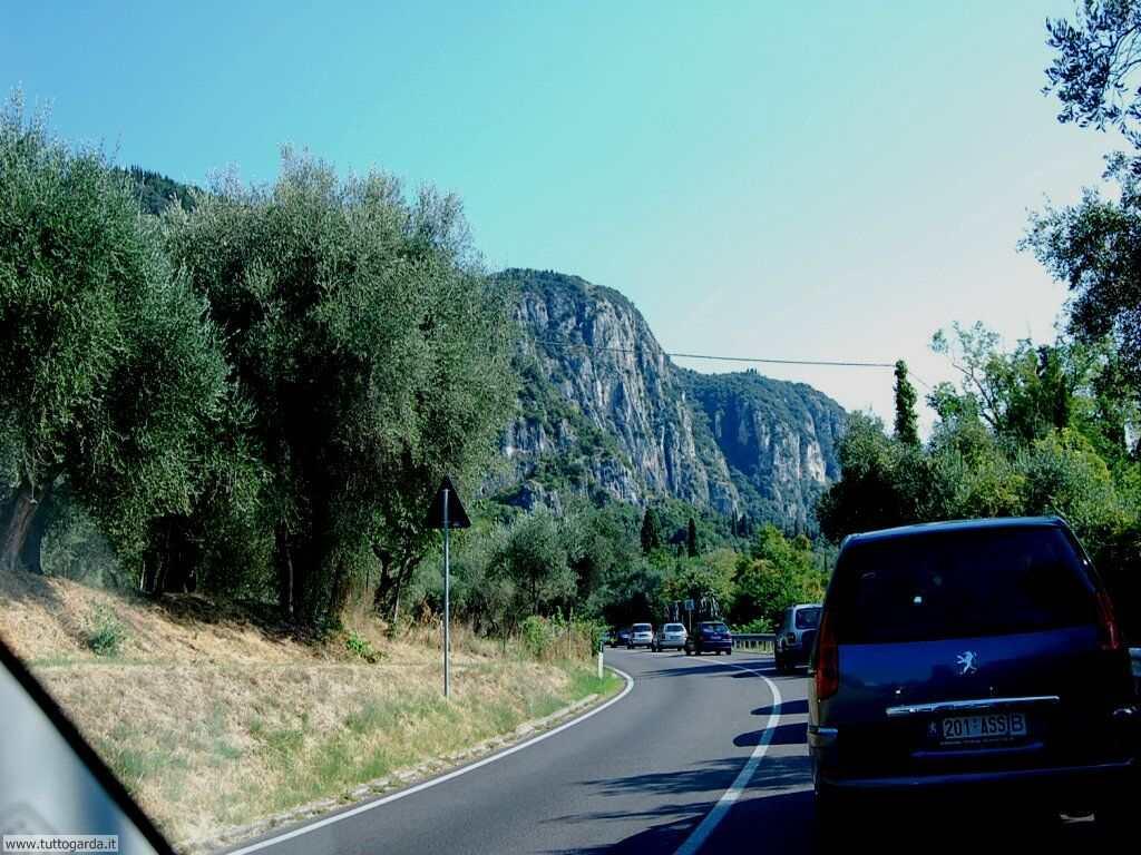 Gardesana Orientale da Brenzone a Torri 043