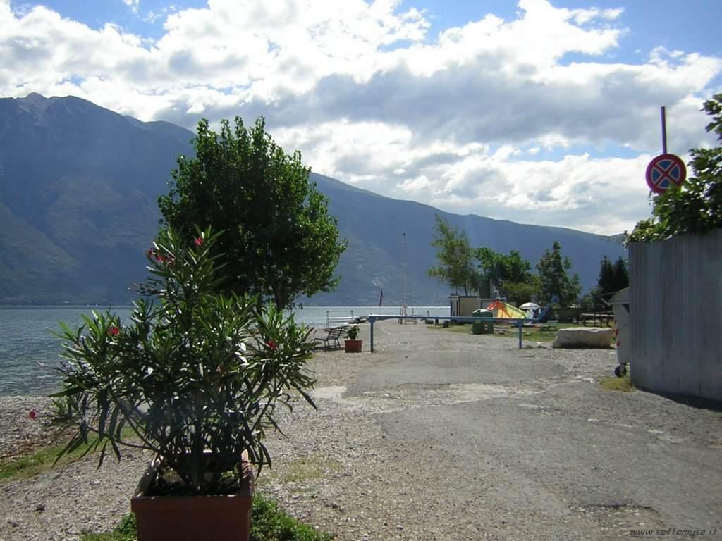 Foto di Campione del Garda (BS)