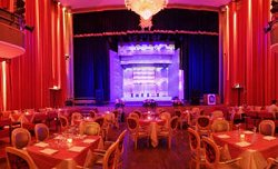 Teatro Alberti Dinner show, Ristorante, Locale a Desenzano