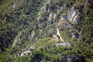 In moto alla Rocca di Anfo