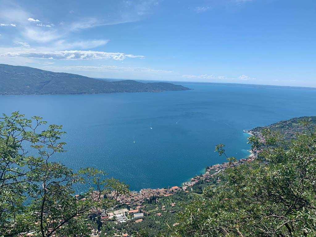 Passeggiata alla cima Comer sul Lago di Garda