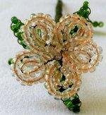 Fiore di perline per bomboniere