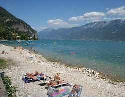 Gargnano: foto spiaggia Le Fontanelle