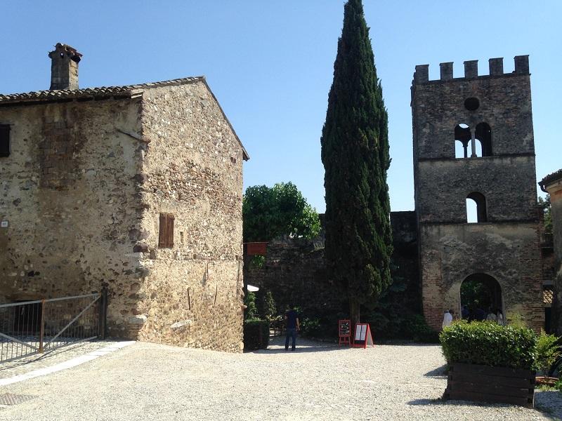 Informazioni turistiche su Castellaro Lagusello