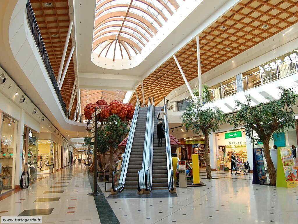 neue Stile neue angebote bezahlbarer Preis Lonato del Garda: tutto sul Leone Shopping Center il centro ...
