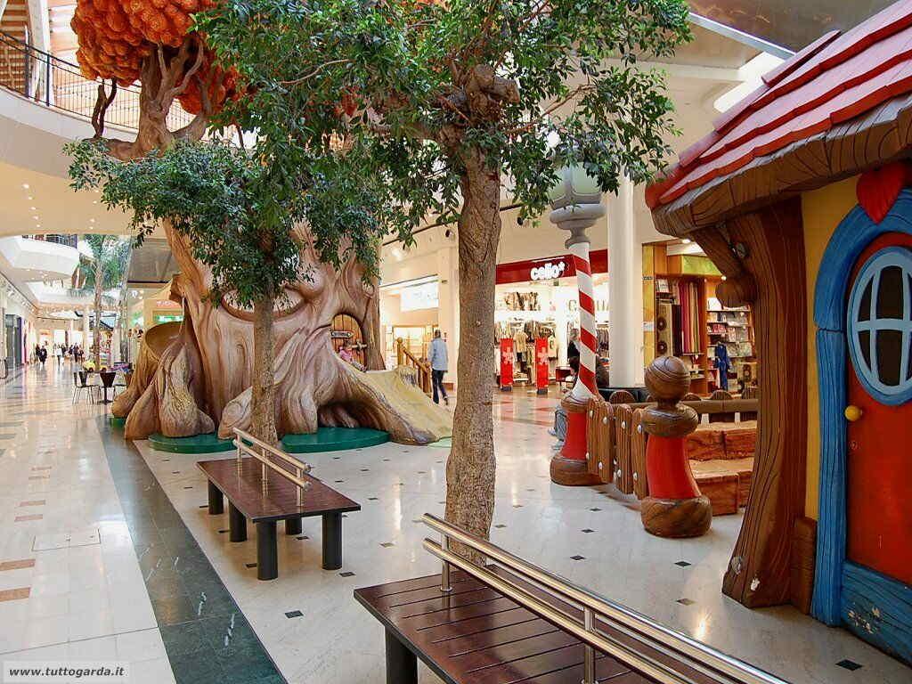 Centro Commerciale Il Leone Shopping Center (Lonato BS)