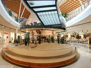 Centro Commerciale il Leone