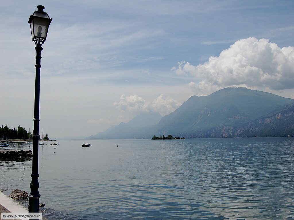 Cassone (VR) sul lago di Garda orientale