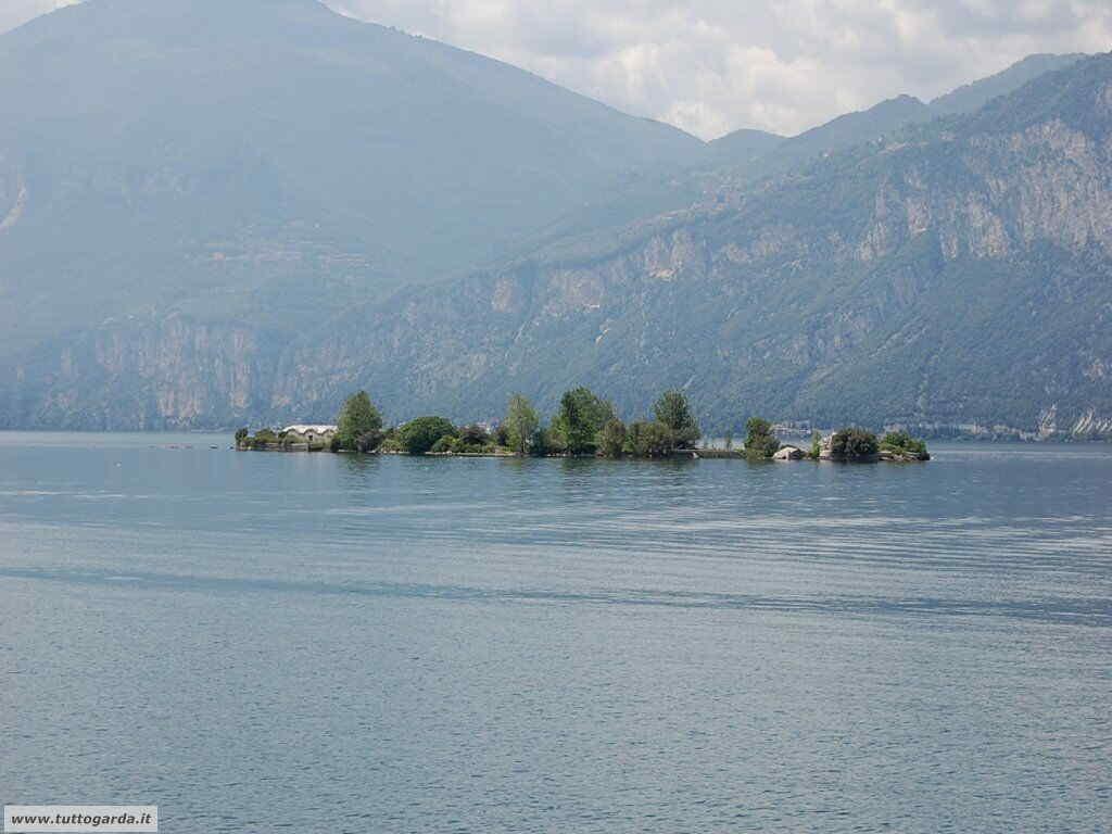 Cassone (VR) Isola