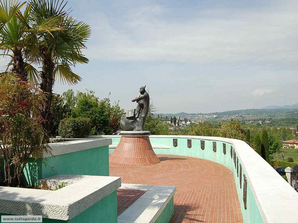 Manerba del Garda-045.jpg