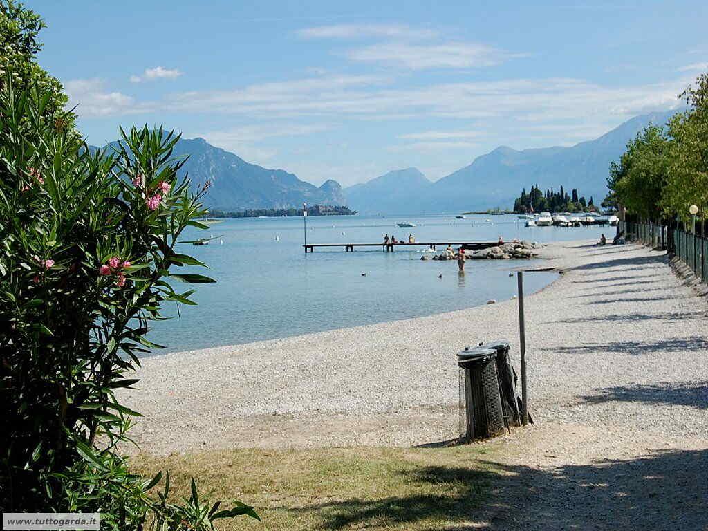 Foto Spiaggia Porto Torchio di Manerba del Garda