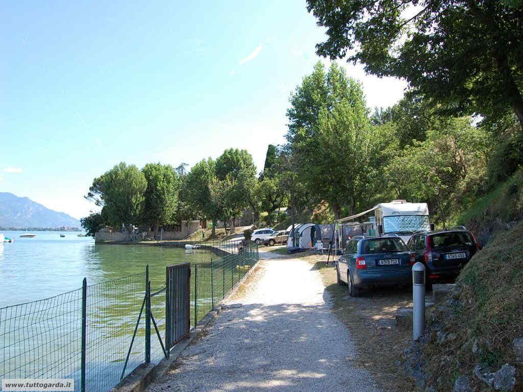 Camper a Porto Torchio di Manerba del Garda