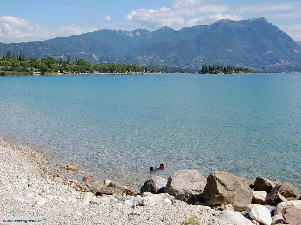 Matrimonio Spiaggia Lago Di Garda : Manerba del garda bs la spiaggia di pisenza tuttogarda