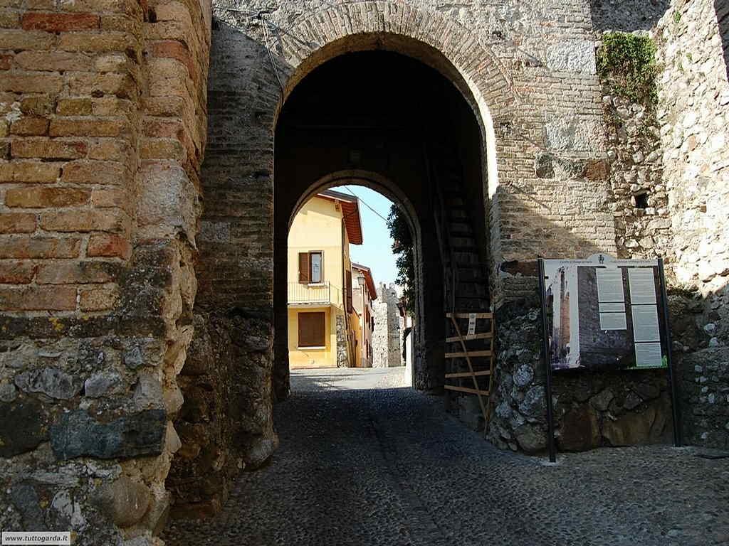 Castello di Moniga - Porta d'accesso dall'interno