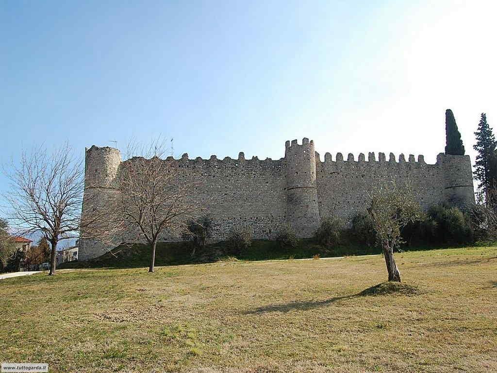 Castello di Moniga - Esterno