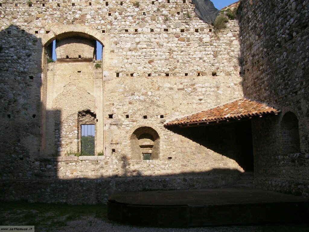 Padenghe Castello -008.JPG