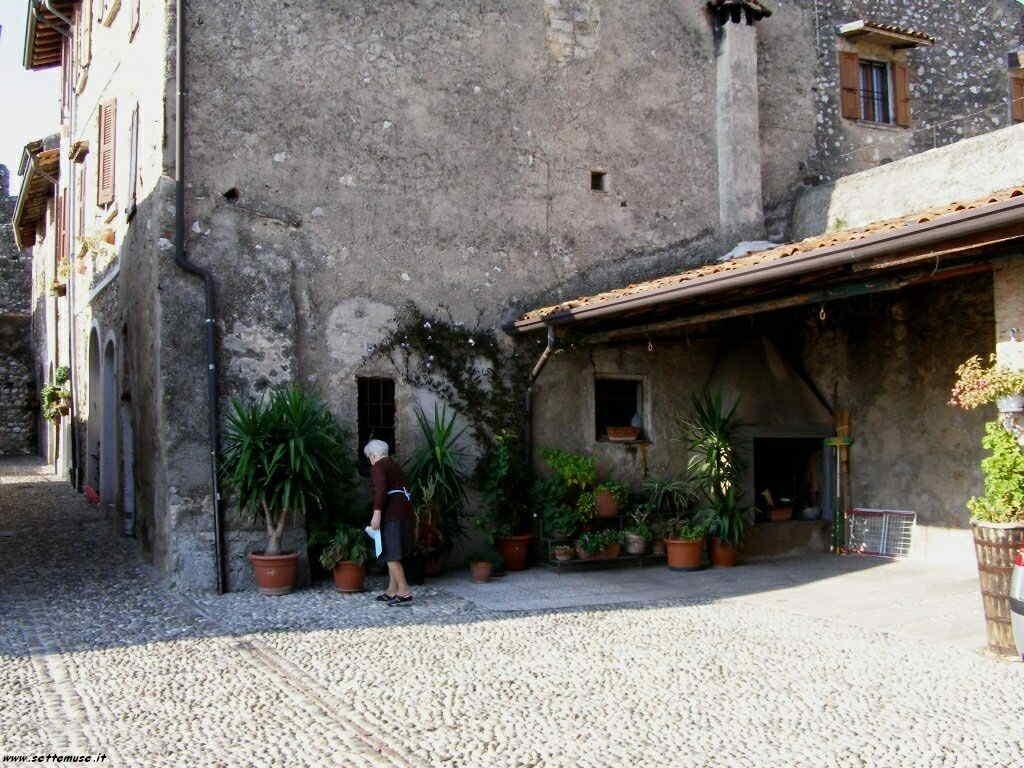 Padenghe Castello -037.JPG