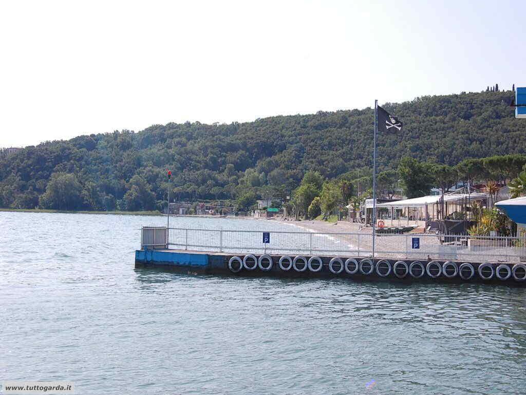 Molo  sulla Spiaggia Casina di Padenghe sul Garda - Bs -