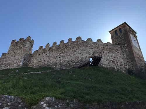 Castello Scaligero di Ponti sul Mincio vicino a Peschiera del G.da