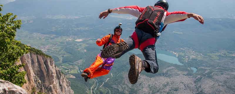 Base Jumping a Riva del Garda