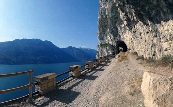 Passeggiata del Ponale vicino a Riva del Garda
