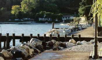 Spiaggia libera a Salò (BS)