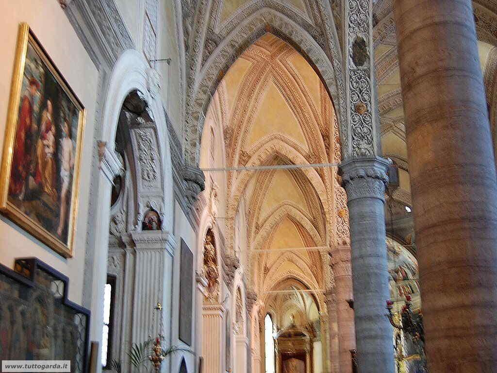 Foto della Chiesa di Sal�099_duomo.JPG