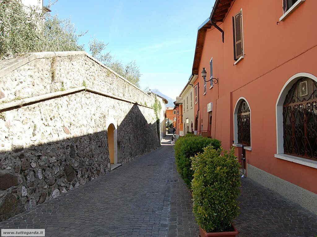 San Felice del Benaco foto -068_paese.JPG