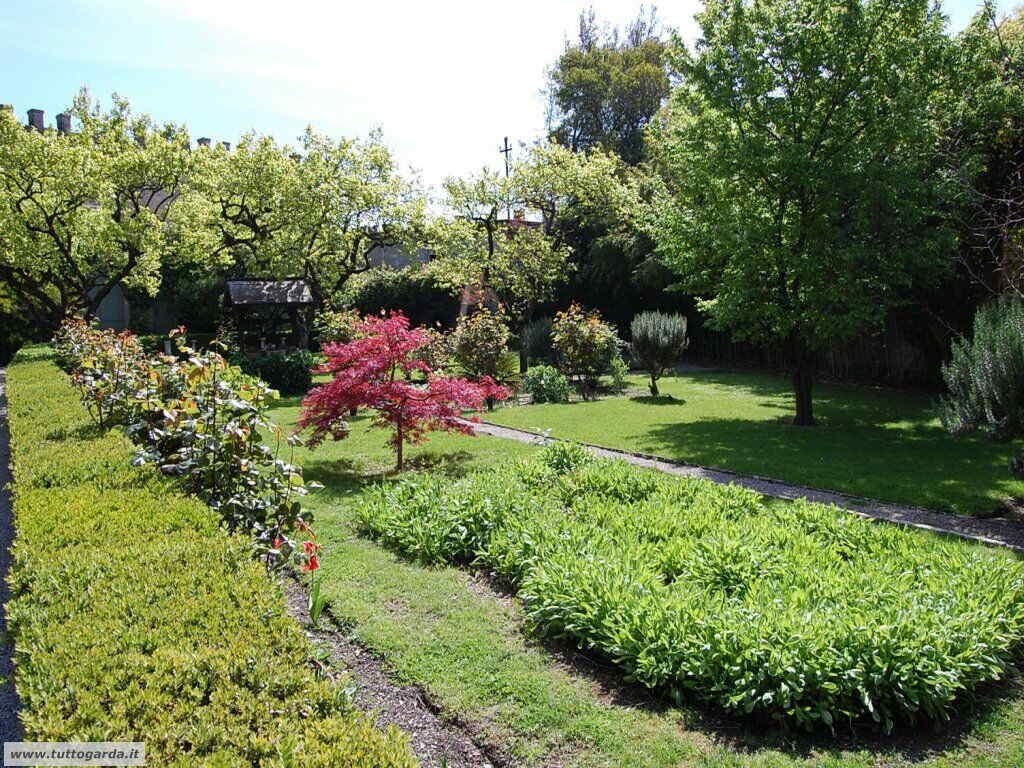 Isola del Garda foto del giardino -146.JPG