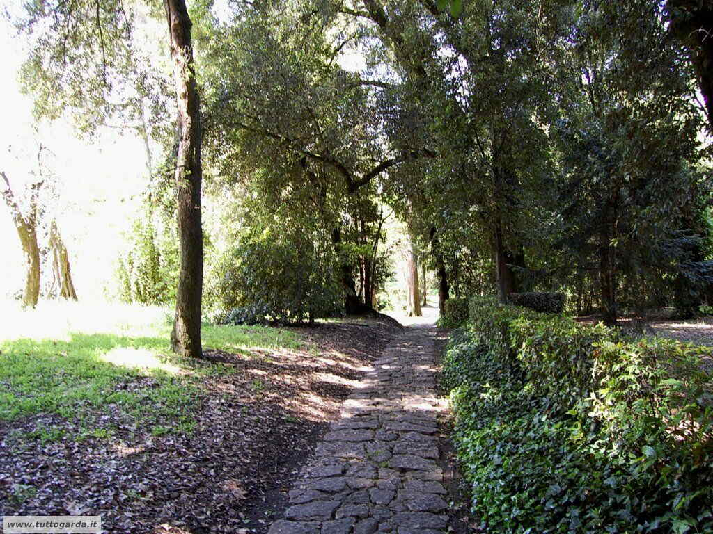 Isola del Garda foto del giardino -205.JPG