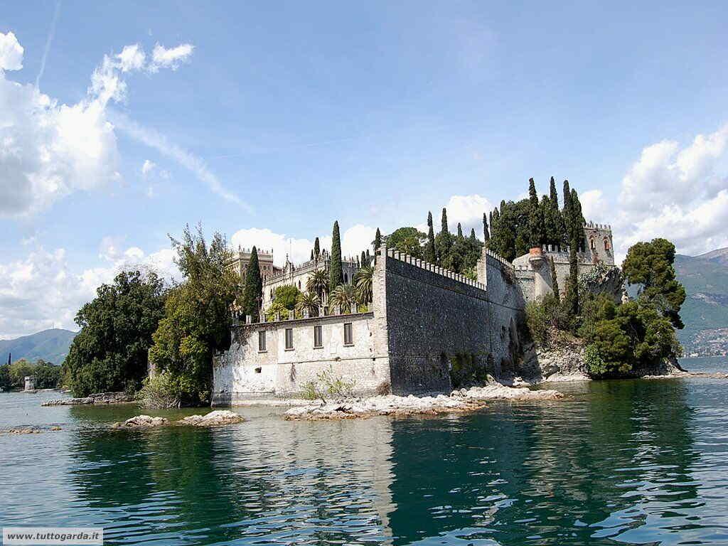 Isola del Garda Palazzo