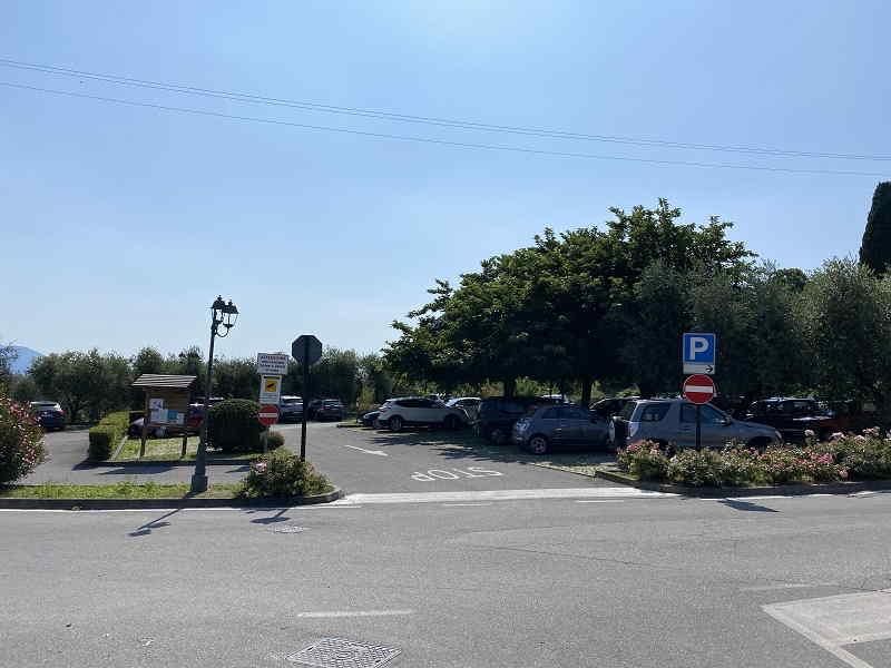 Dove parcheggiare per vedere la Big Bench di San felice del Benaco (BS) sul Lago di Garda
