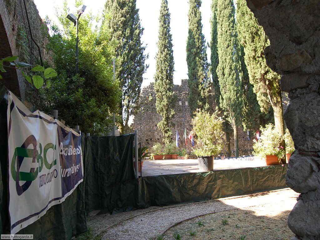 Soiano del Lago (BS) Foto del Castello 005