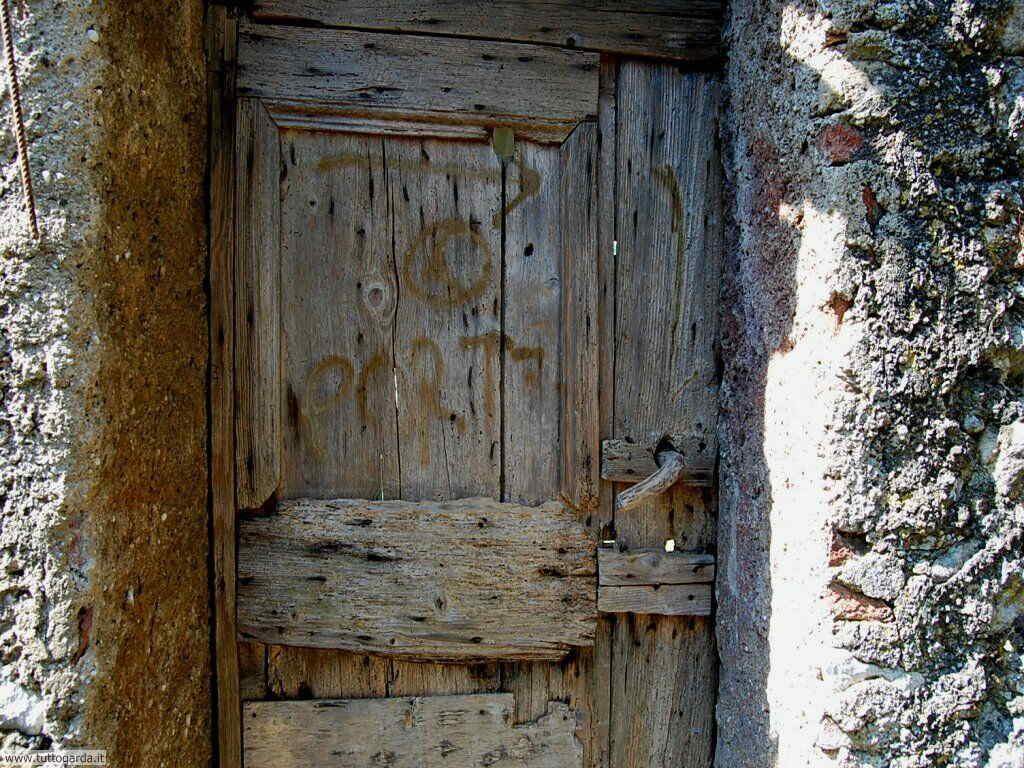 Castello di Soiano la vecchia porta 009